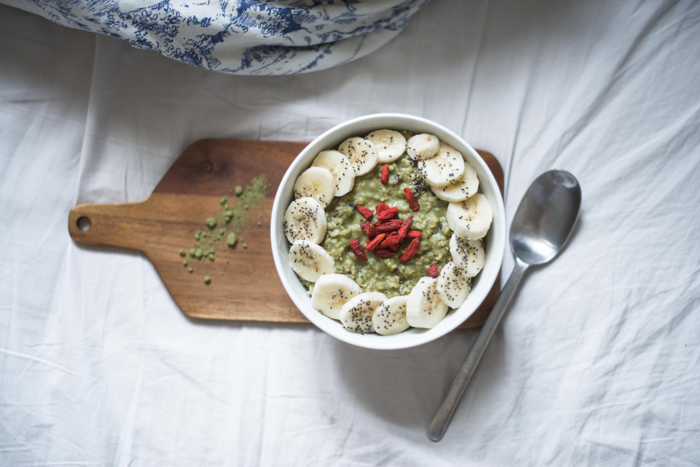 matcha porridge with coconut