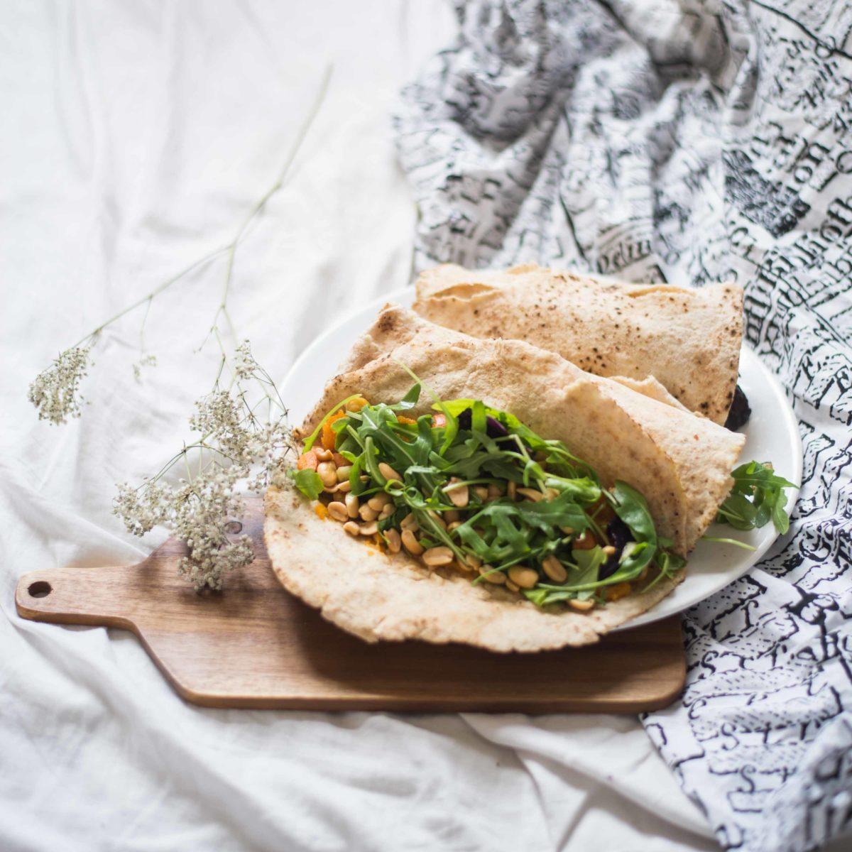 Vegan Cinnamon-Squash-Wraps with Veggies
