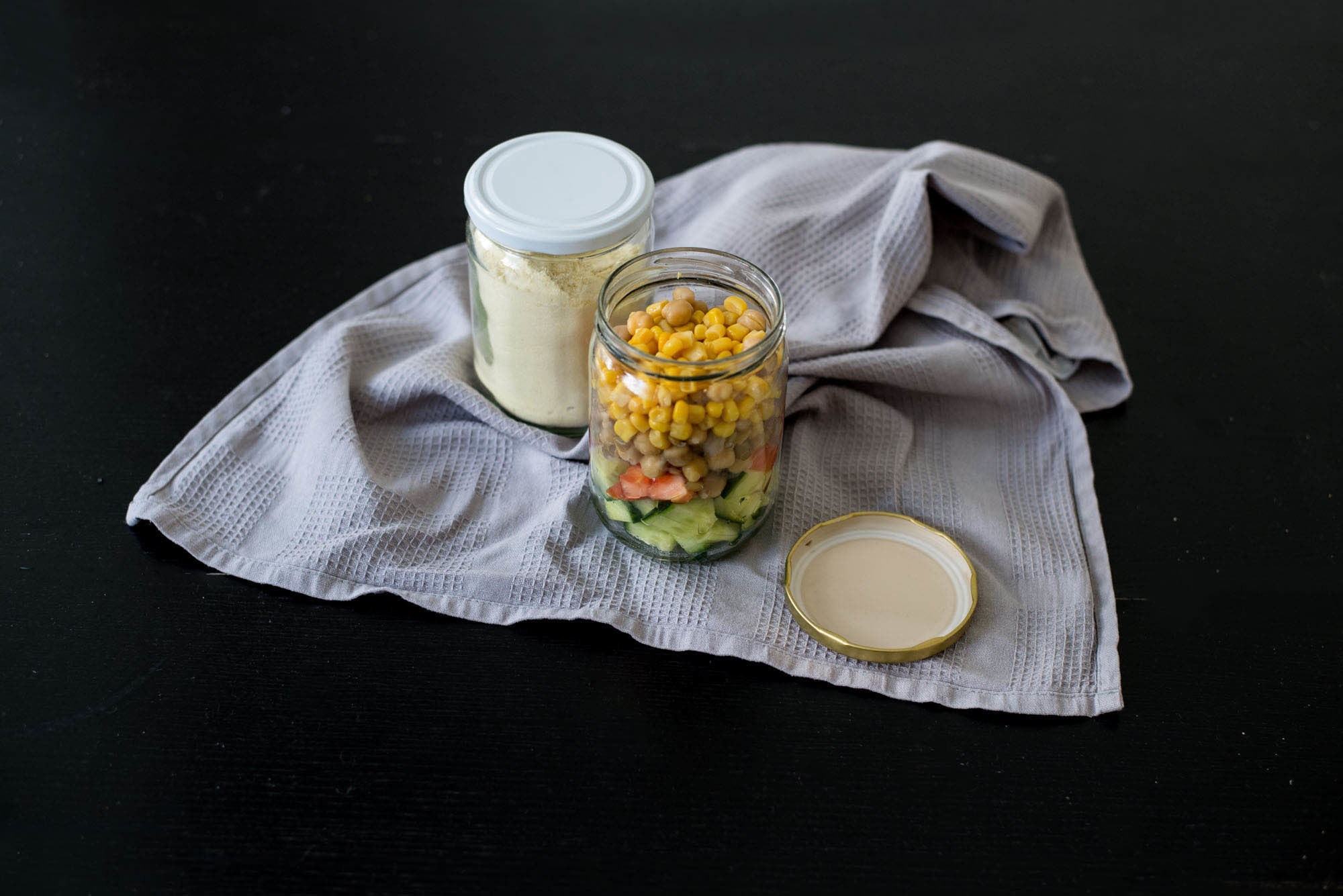 How to avoid food waste when on Erasmus: Take your food in jars with you