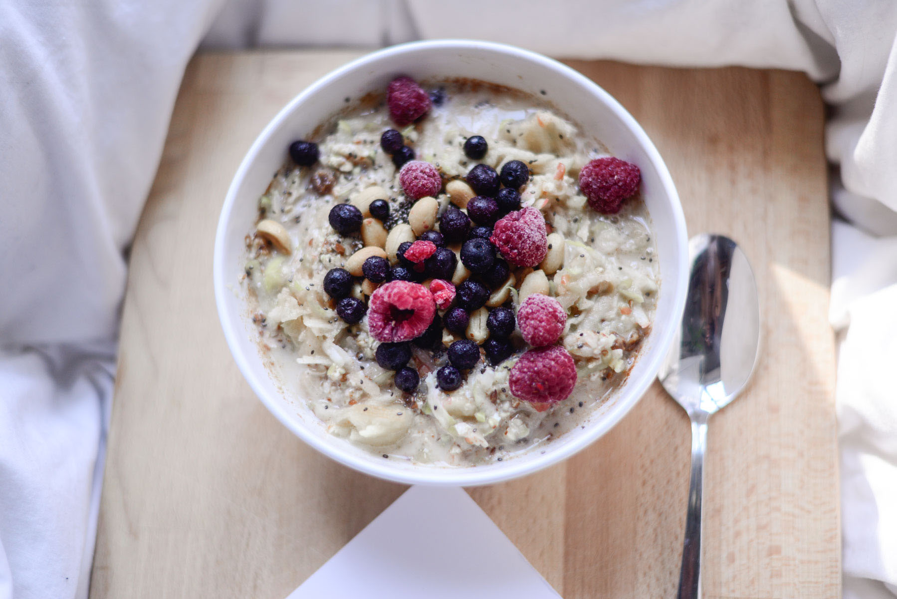 How to avoid food waste when on Erasmus: Three basic recipes – over night oats