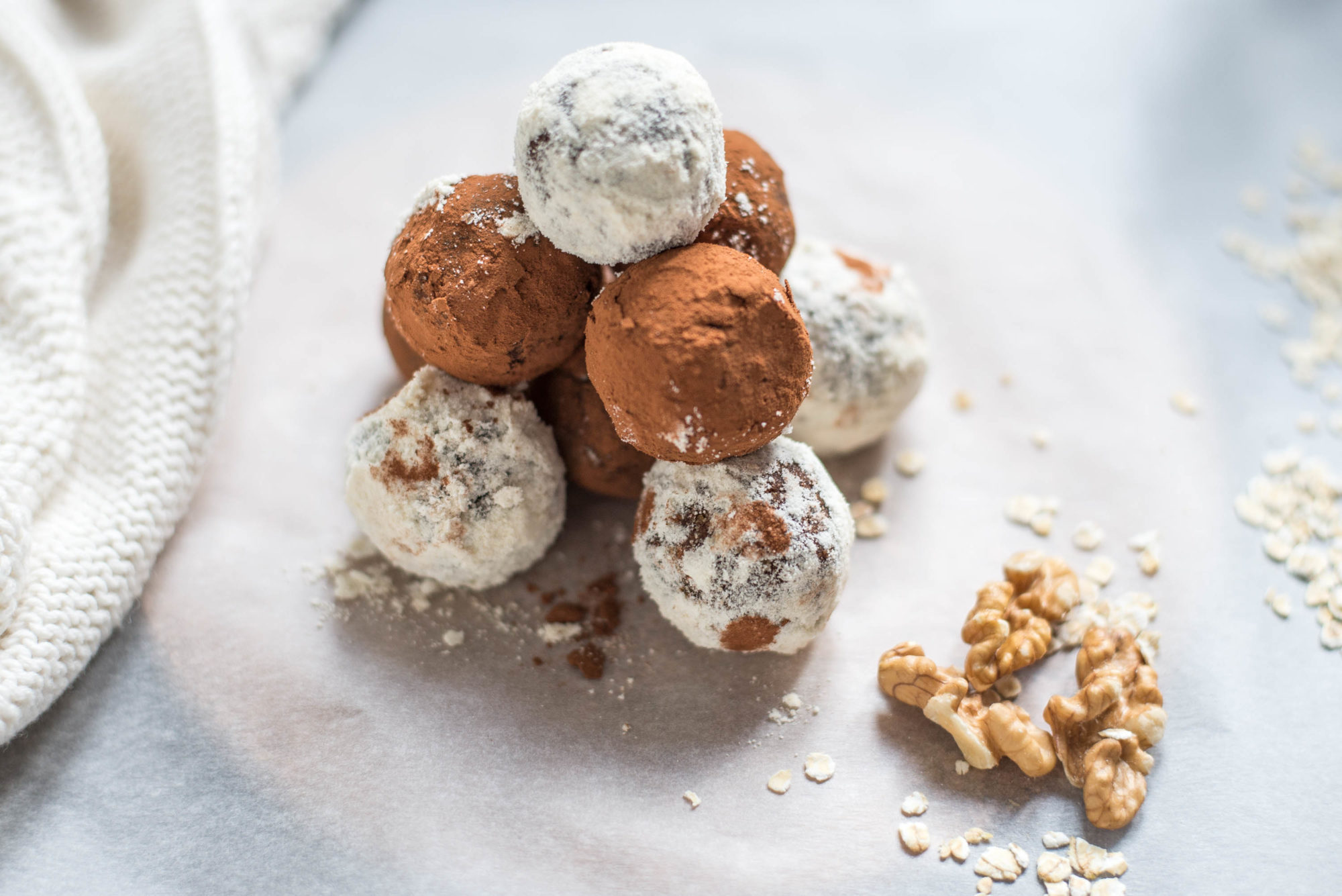 Roh vegane Energiekugeln Karottenkuchen Kakao Kokosmehl Österreich Food Blog Graz