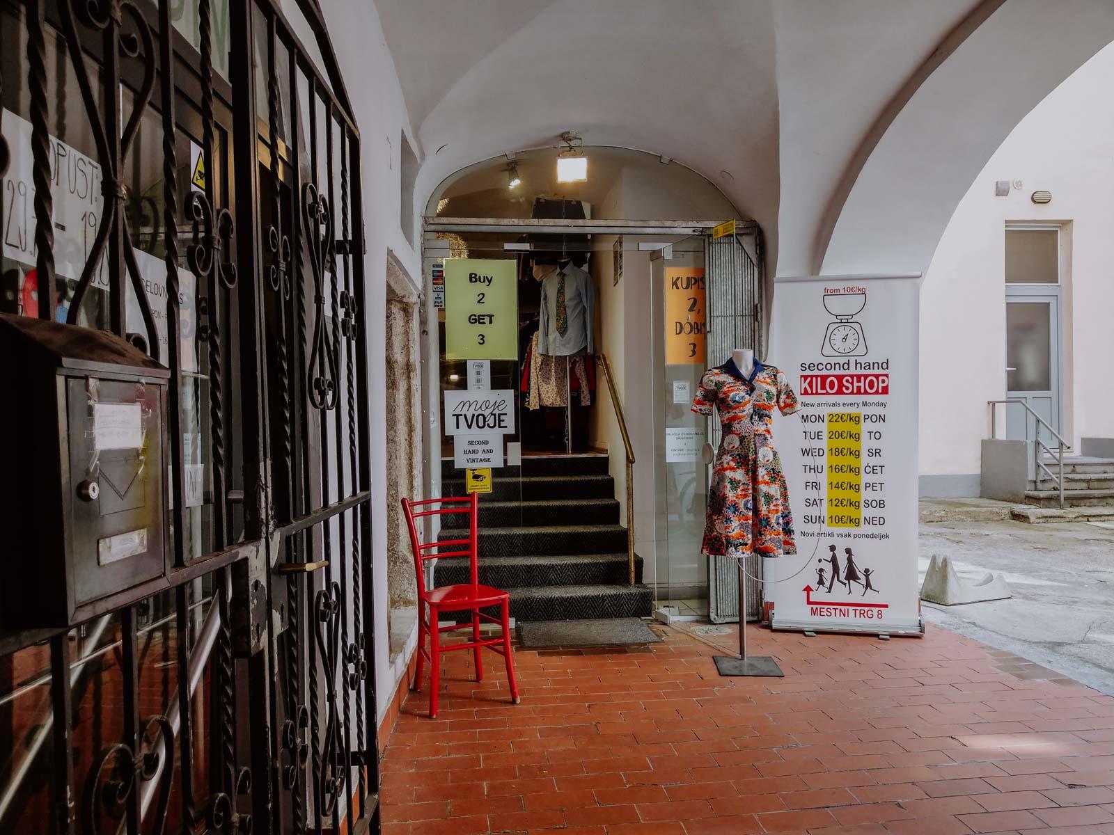 Moje Tvoje Vintage Store in Ljubljana, including a vintage kilo sale section