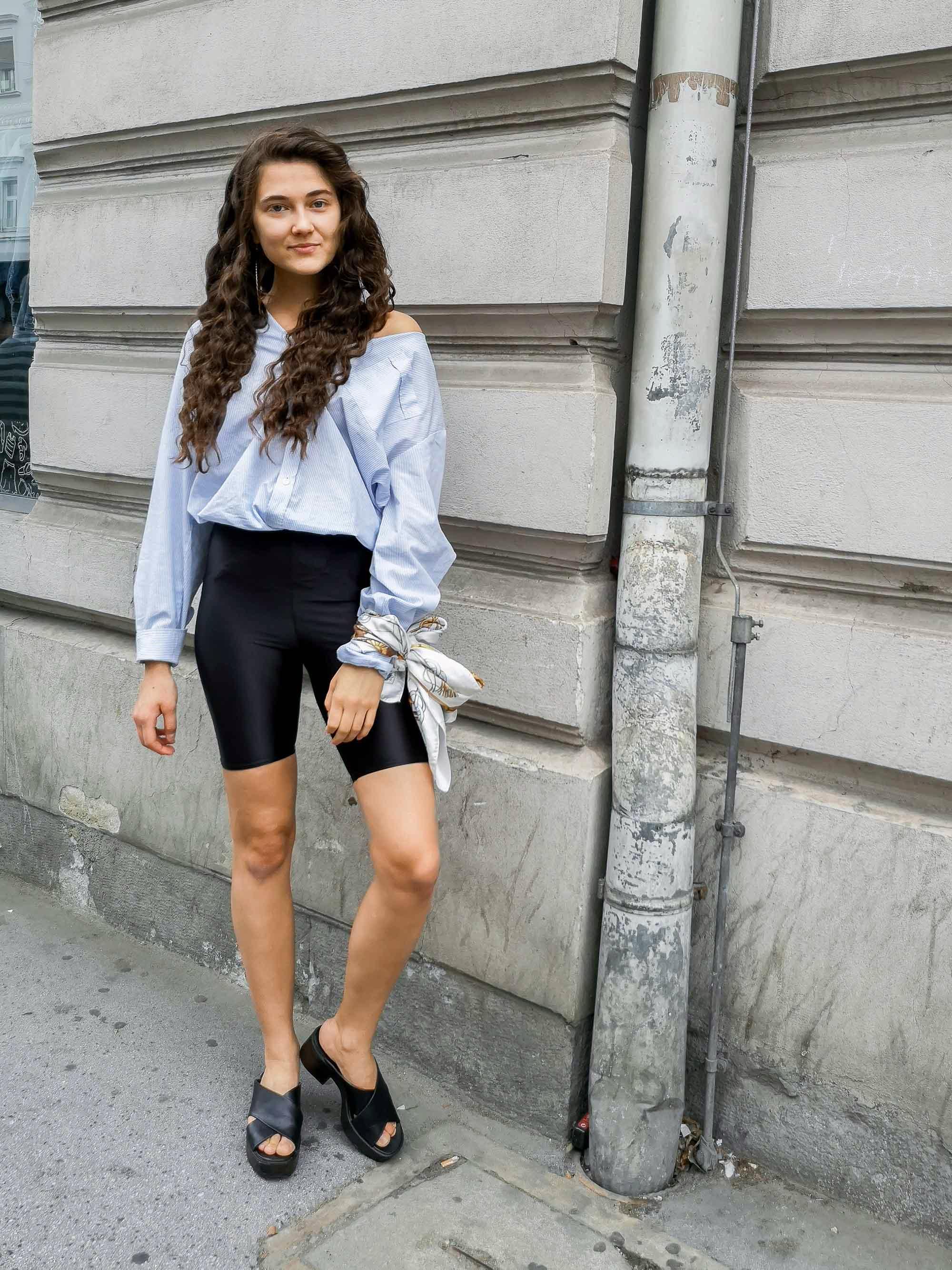 Dianas Office Looks im Juli – Vintage Outfit Inspiration mit Radlerhose und Boyfriend Hemd