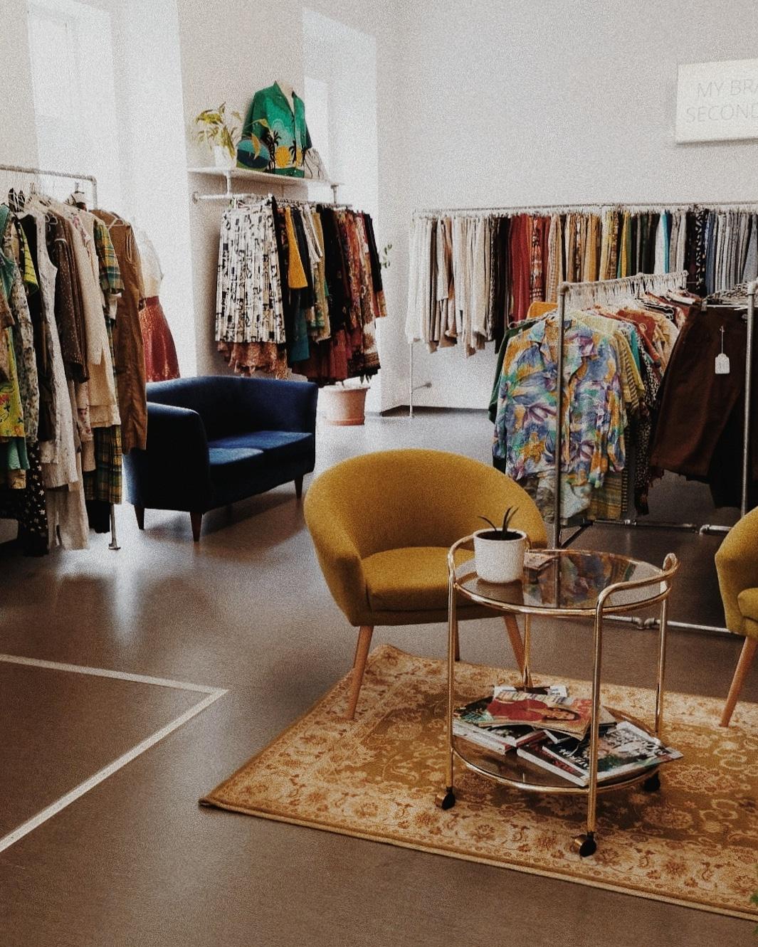 Ein Wochenende in Graz – dein Local Guide. Dogdays of Summer Vintageshop Retro Kleidung
