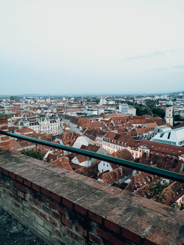 Ein Wochenende in Graz – dein Local Guide. Schlossberg am Abend