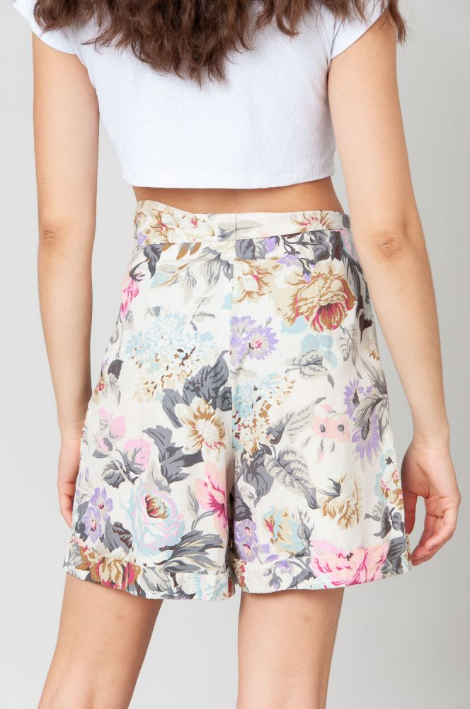 Scent Of Roses Shorts High Waist 2