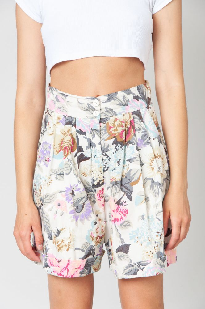 Scent Of Roses Shorts High Waist 5